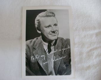 Van Johnson 3 by 5 inch signed photograph, black and white, 1940's
