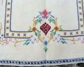Colortul Delicate Flowers ... Beautiful Vintage Hand Embroidered Table Runner ... Placemat
