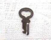Heart skeleton key Antique skeleton key Old skeleton key Old rustic key Primitive key Jewelry key Skelton Itty bitty skeleton key bit HK #4