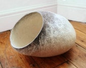 ON SALE Cat Cave/ cat bed- handmade felt- The Siamese - S,M,L + free felted balls