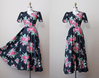 1930s Dressing Gown - Vintage 30s Hostess Gown - Black Floral Rose Print Cotton w Sweeping Skirt S M - Malmaison Gown