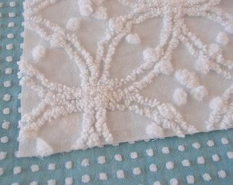 "Vintage Chenille white Morgan Jones wedding ring & popcorn fabric piece, 18"" x 24"" - 300-68"