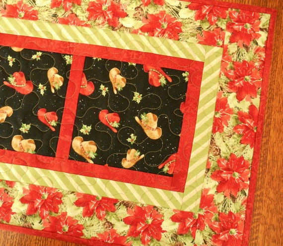 Cowboy Christmas Table Runner, Quilted Table Runner, Cowboy Hats and Poinsettias, Western Christmas Decor, Quilted Christmas Table Mat