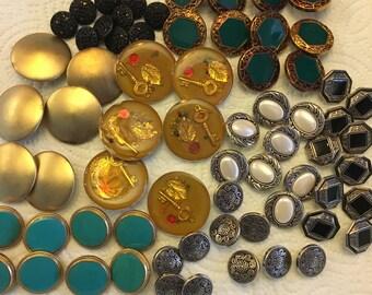 """68 piece 1980""""s  button lot"""