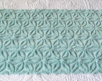 """Seafoam Green Fluffy Hofmann Daisy Vintage Chenille Bedspread Fabric 28"""" x 16"""""""