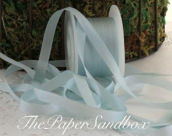 """Ruban de soie bleu, 1/4"""" de large par l'yard, Light Blue Silk, soie bleue, soie teints à la main, les mariages, Bouquets, boutonnières, Invitations, mariage"""