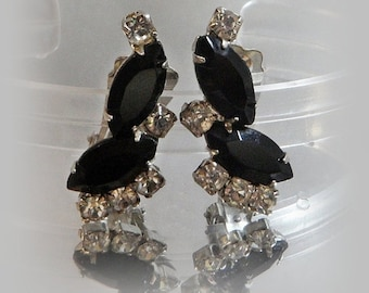 CHRISTMAS SALE Vintage Rhinestone Earrings. Clear Black Rhinestones. Showstoppers. Prom Earrings.