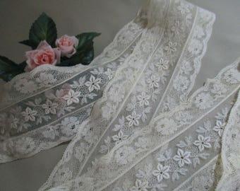 Wide Vintage Antique Lace Trim Cream