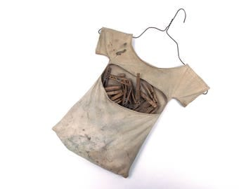 vintage 30s 40s clothespin bag laundry hanging hanger sack w/ lot aged clip on pins muslin dress housewares decorative home decor wash hang