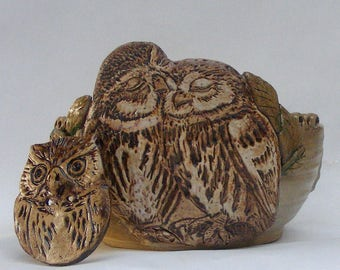 Owl Yarn bowl, Stoneware Ceramic Yarn Bowl, Big Owl Button