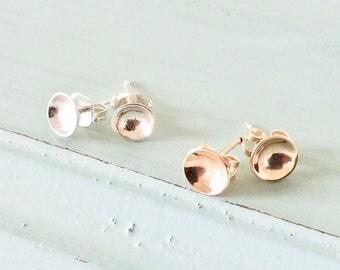 Dainty Bowl stud earrings