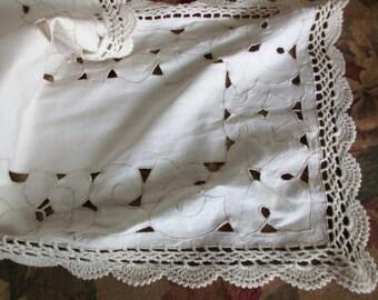 vintage beige cotton dresser scarf- lace, crocheted, cut out flowers, floral