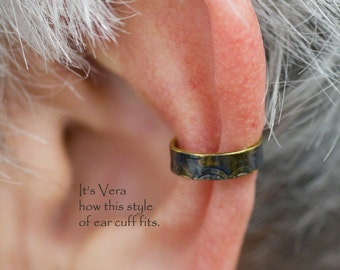 Ear cuff, dark ear cuff, small earring, ear cuff, handmade ear cuff, friendship ear cuff, trendy ear cuffs, girls gifts, mens gifts