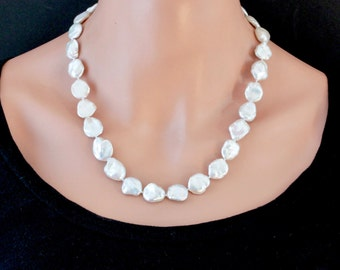 White Freshwater Pearl Necklace, Keshi Pearl Necklace, Beaded Necklace, White Pearl Necklace, OOAK, Handmade Beaded Jewelry for Women