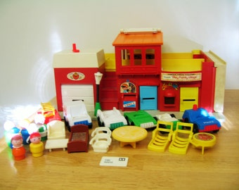 Vintage Fisher Price Village Play Set