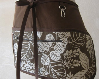 Vendor Apron with Zipper Pocket