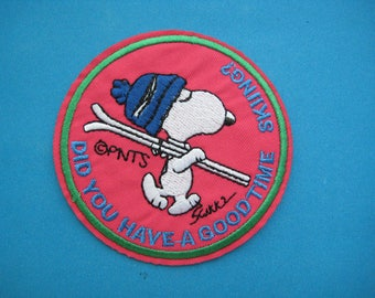 Iron-on embroidered Patch Snoopy Skiing 3 inch