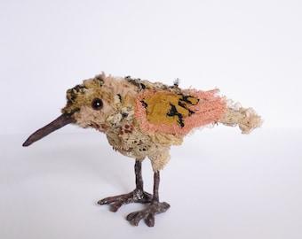 Oiseau Sculpture textile Chiffonnelle, oiseau miniature en tissu fait main, Fabric sculpture bird OOAK création unique décoration/collection
