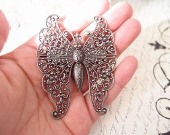 Stunninng Victorian butterfly Aligator Clip-aged brass-goth-medieval-shabby chic-steampunk V019