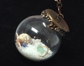 Beach Terrarium Necklace/DREAMING of the SEA/Miniature Beach in Glass/Conch shell/Fish Hook/Beach Glass/Fish Charm/Sand/Tiny Beach/Ocean/Sea