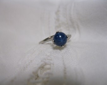 Vintage Star Sapphire Ring Ladies Size 6 10K White Gold Solitaire Womens