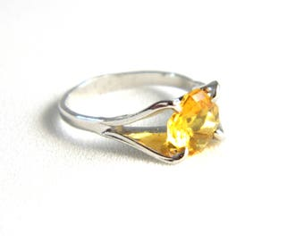 Vintage Silver Yellow Citrine Solitaire Ring -  Faceted Octagon Cut Glass - Golden Yellow - November Birthstone - Child Girl Pinky - Size 4