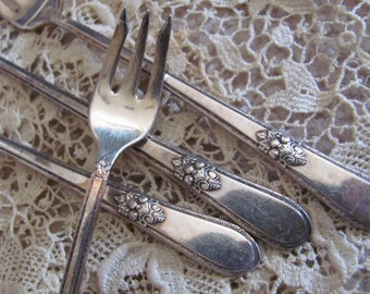 Seafood - Set of 4 Silver Plate Crab Seafood Cocktail Forks - Adoration Pattern