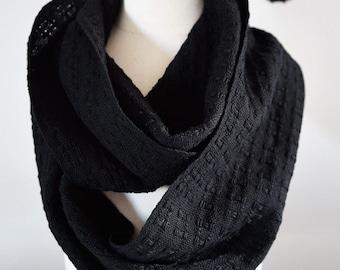 Handwoven Cotton Lace Loop Scarf Black