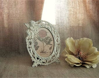 Metal Cherub Frame in Heirloom White / Cherub Photo Frame for Wedding or Home Decor / Victorian Picture Frame