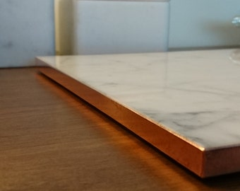 Marble tray - Carrara - Square - Without sides - Copper foil edge - 22.5cm x 22.5cm x 1cm.