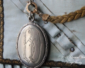 French Prayer Locket--Antique Engraved Mirrored French Prayer Card Slide Locket Victorian Woven Mesh Metal Chain NECKLACE
