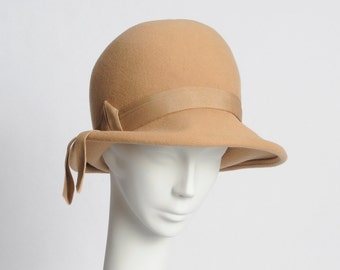 Vintage Camel Khaki Derby Bucket Hat With Ribbon Glenover Henry Pollak