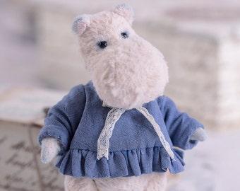 Hippo Mumi 5inch. Teddy hippo. Teddy bear. Artist bears. Stuffed animal. OOAK