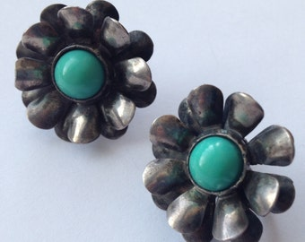 Sale Vintage Silver and Turquoise Cabochon Flower Earrings Mexico