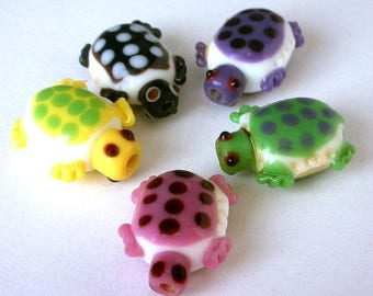 5 turtle beads, multicolor lampwork glass, polka dotted