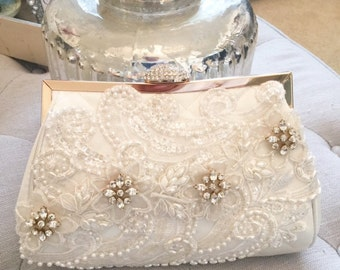 Ivory and lace beaded bridal clutch - Wedding Clutch - Lace Clutch - Bridesmaid Gift