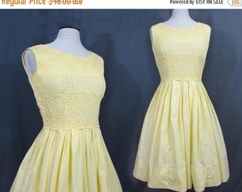SALE 25% off - Yellow Full Skirt Dress - Cotton - Pin tucked bodice with Cluny Lace - 1950s-60s - S-M