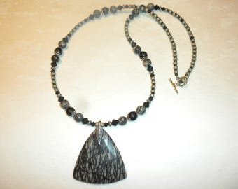 Black Meshwork Pendant Necklace