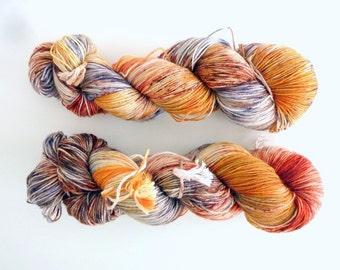 "Hand dyed sock yarn - Speckled 4 ply fingering, Sock&Roll base - Colourway ""Little fox"""