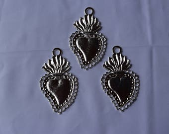 MIlagros 3 Silver Tone Sacred Hearts Mexican Milagros Charms ExVotos Great For Weddings  N Celebrations