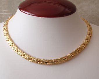Matte Gold Necklace Flat Fancy Chain Look 17 Inch Gold Tone Choker Vintage 080914MN