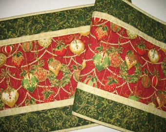 Christmas Table Runner, Ornaments, quilted, fabric  from Kaufman Flourish Line and Hoffman
