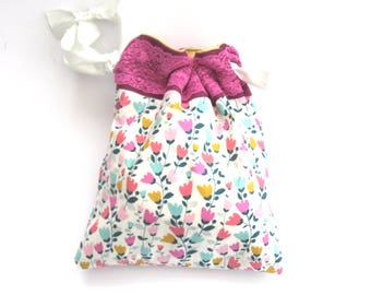 Craft Project Bag , ideal for knitters , sewers and other crafter's. Pretty drawstring bag to keep those gorgeous wip items in one place.