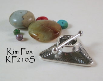 Triangle Toggle with Labyrinth Pattern in Sterling Silver by Kim Fox - 2 links