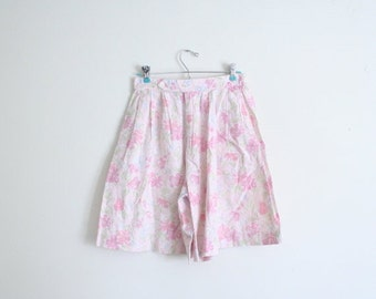 24 HOUR SALE 1980s pastel floral print ladies shorts - high waisted / Charter Club - vintage 80s preppy / Sweet Kawaii - pink floral shorts