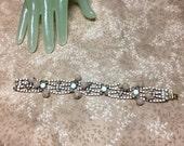 """Vintage 7 1/2"""" Long Goldtone 3/4"""" White Grey Rhinestone Beaded Bracelet"""