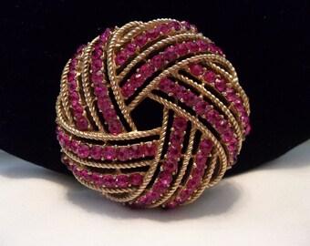 Crown TRIFARI Brooch Fuchsia Purple Glass Rhinestone Vintage Gold Plate Pin