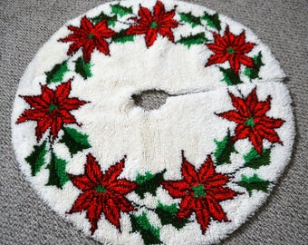 Christmas Tree Skirt Handmade Vintage Poinsettias
