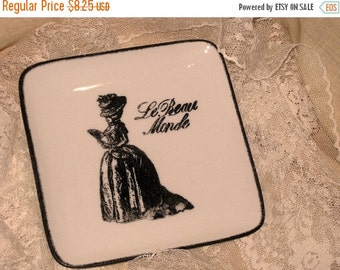 Sale French Style Hand Designed Trinket Soap Dish with Marie Antoinette Le Beau Monde ECS