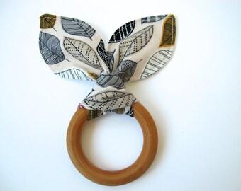 Organic Leaf Teething Ring - Wooden Teething Ring - Nature Inspired